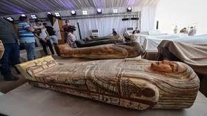 Egypte : découverte de 13 cercueils scellés datant de plus de 2 500 ans
