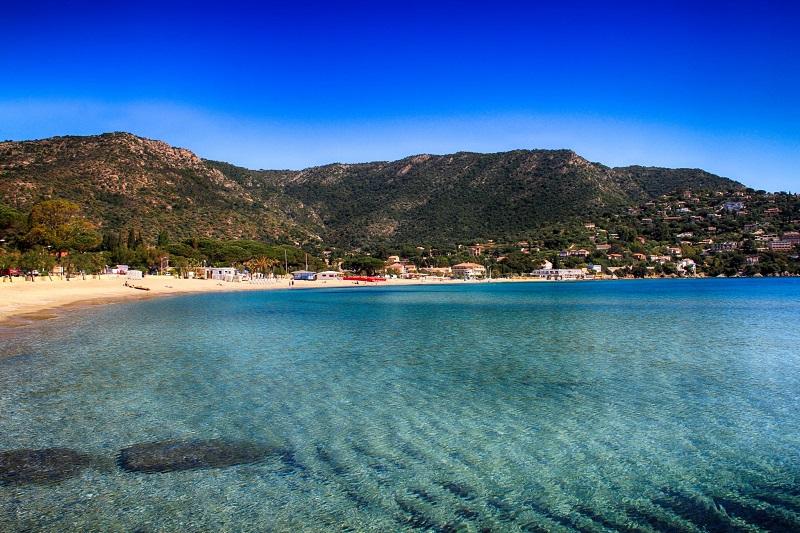 Plage de l'Estagnol : un joyau de la Côte d'Azur